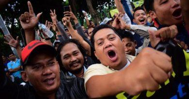Ojek Daring dan Jokowi: Dilarang dan Diperbolehkan