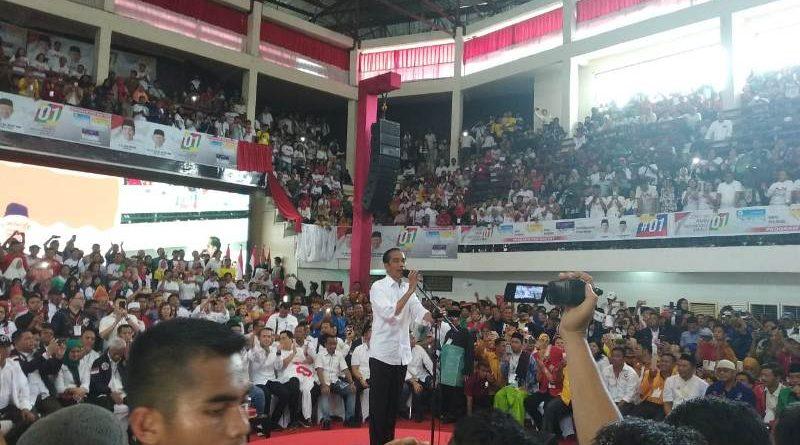 Ribuan Pendukung Sambut Jokowi, Targetkan  70 Persen Lebih Besar dari Sebelumnya