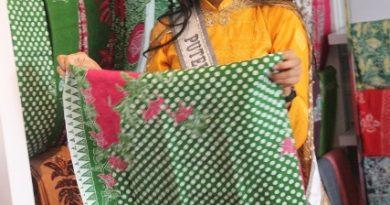 Putri Indonesia Pariwisata Kagumi Batik dan Songket Medan