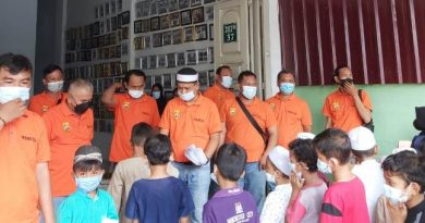 Ketua Pewarta Berbagi dengan Anak Yatim dan Kaum Duafa