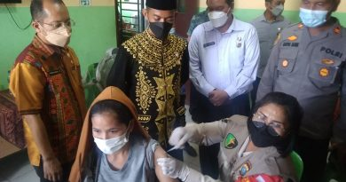 Kolaborasi PUD Pasar dengan Polsek Medan Tuntungan, Gelar Vaksinasi Dosis II di Pasar Induk Lau Cih